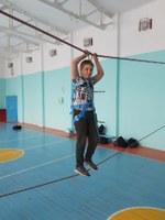 Пока на улице зима тренировки проходят в спортивном зале